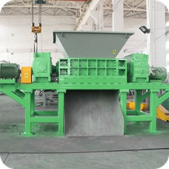 primary shredder in solid waste recycling plant