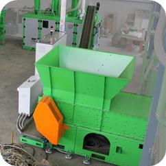 single shaft shredder in solid waste recycling system