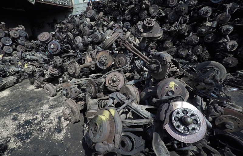 Shredwell castoff car axles and wheel parts shredding