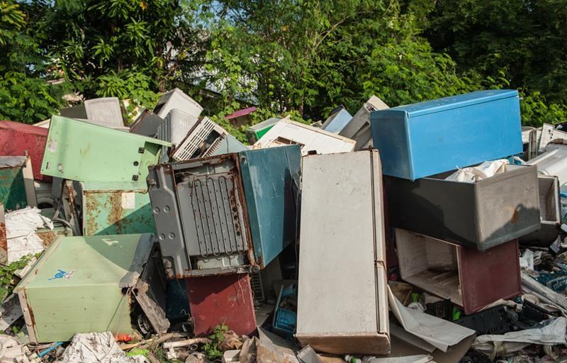 scrap refrigerator shredding and recycling machine