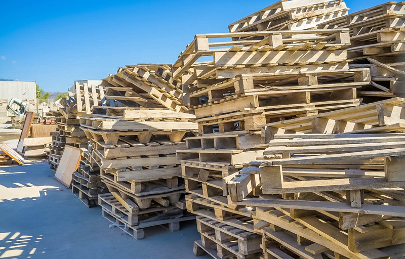 High efficient wood recycling plant for scrap wood pallet